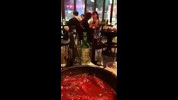 [한국야동] 실제상황 술집에서 술먹다 여친 옷벗기는넘 - ShyAV - KissJAV